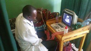 Ultraschalluntersuchung angeschafft durch Spenden von Ihnen